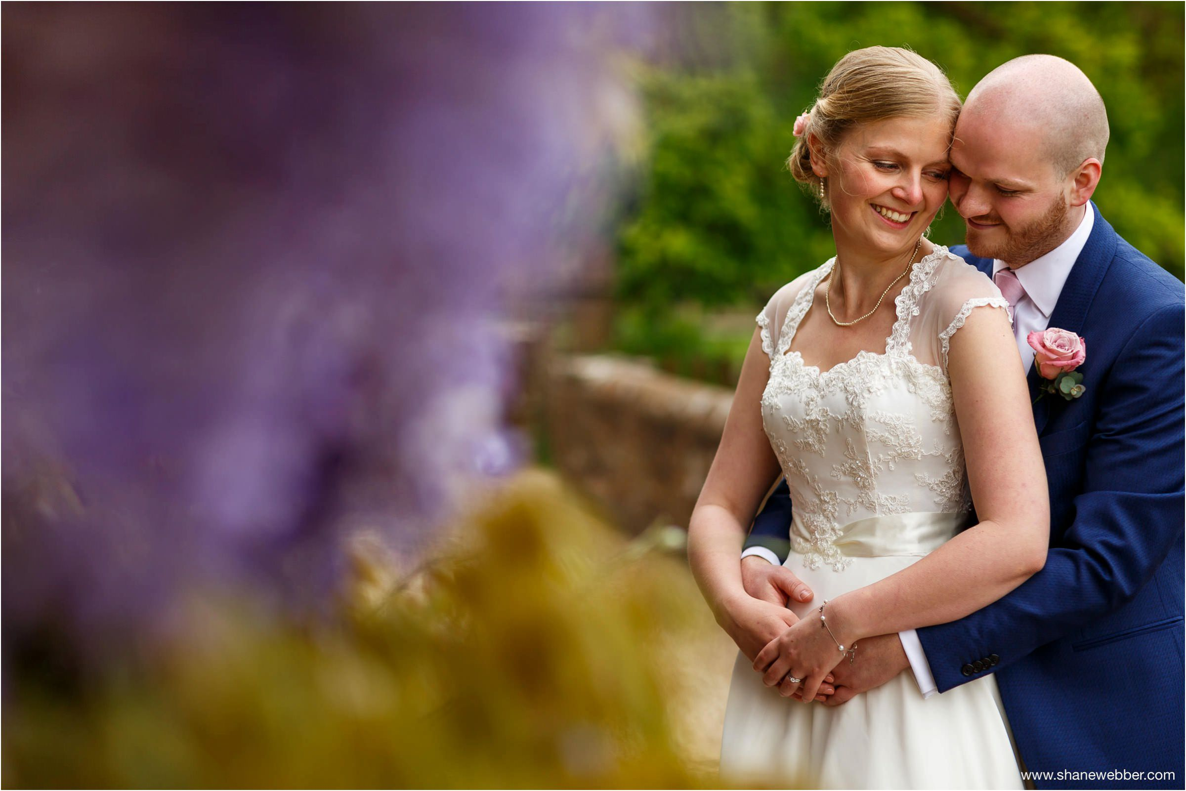 Wedding photos in Ufton Court gardens