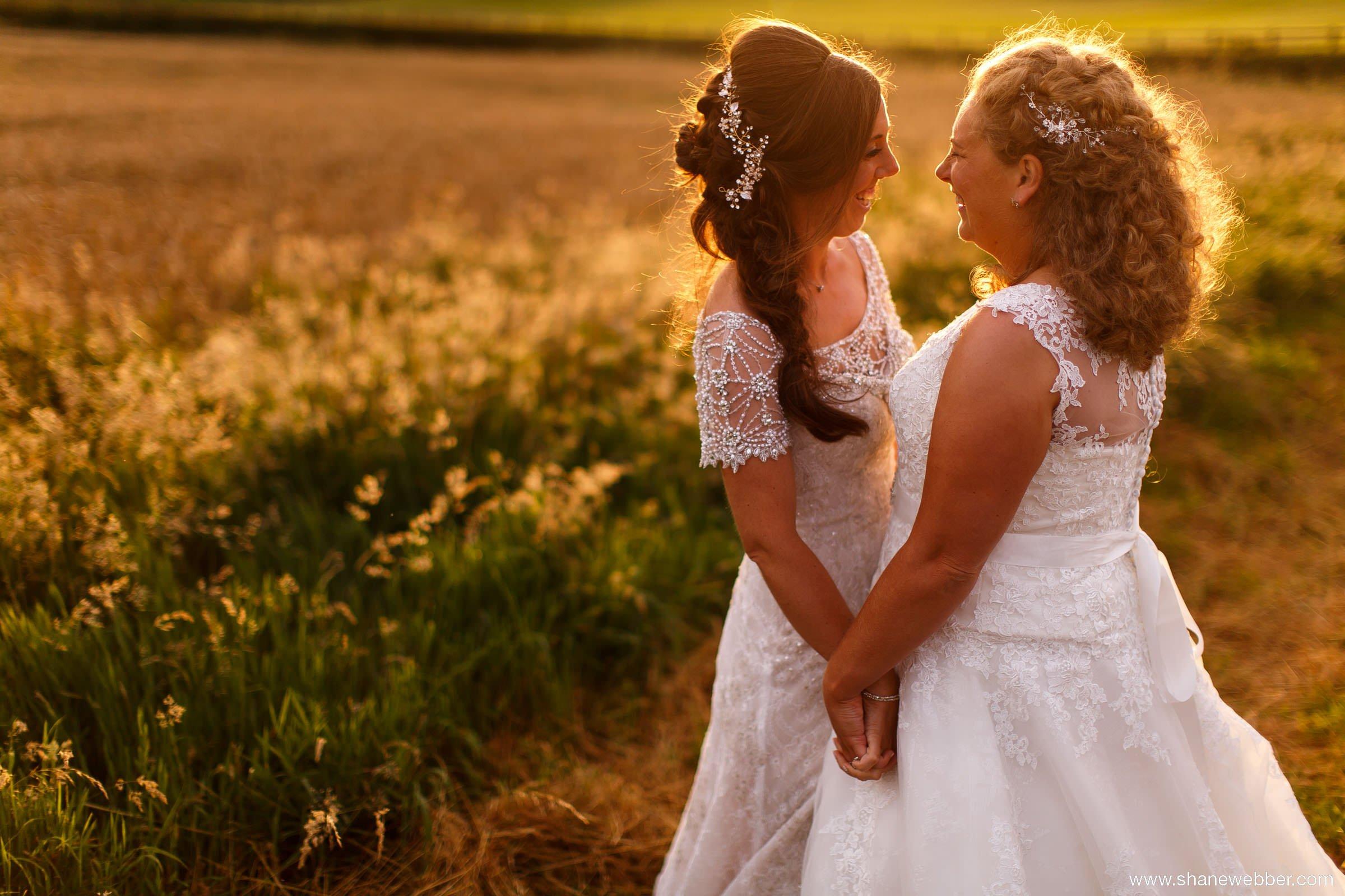 Sandhole Oak Barn summer wedding photo