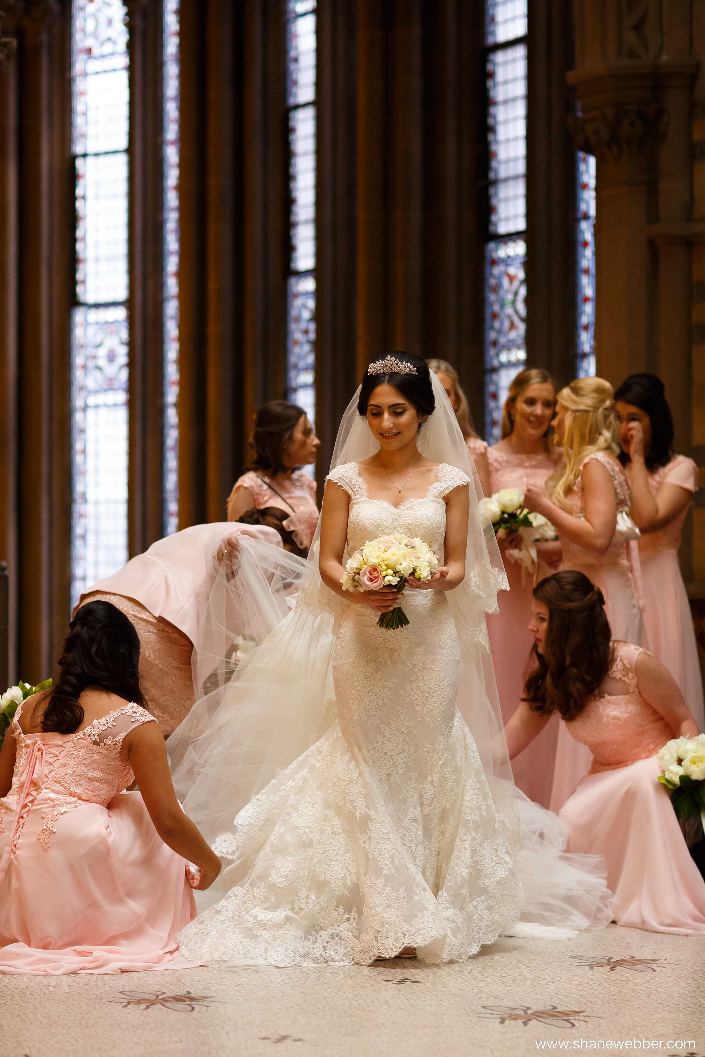 Iranian wedding dress