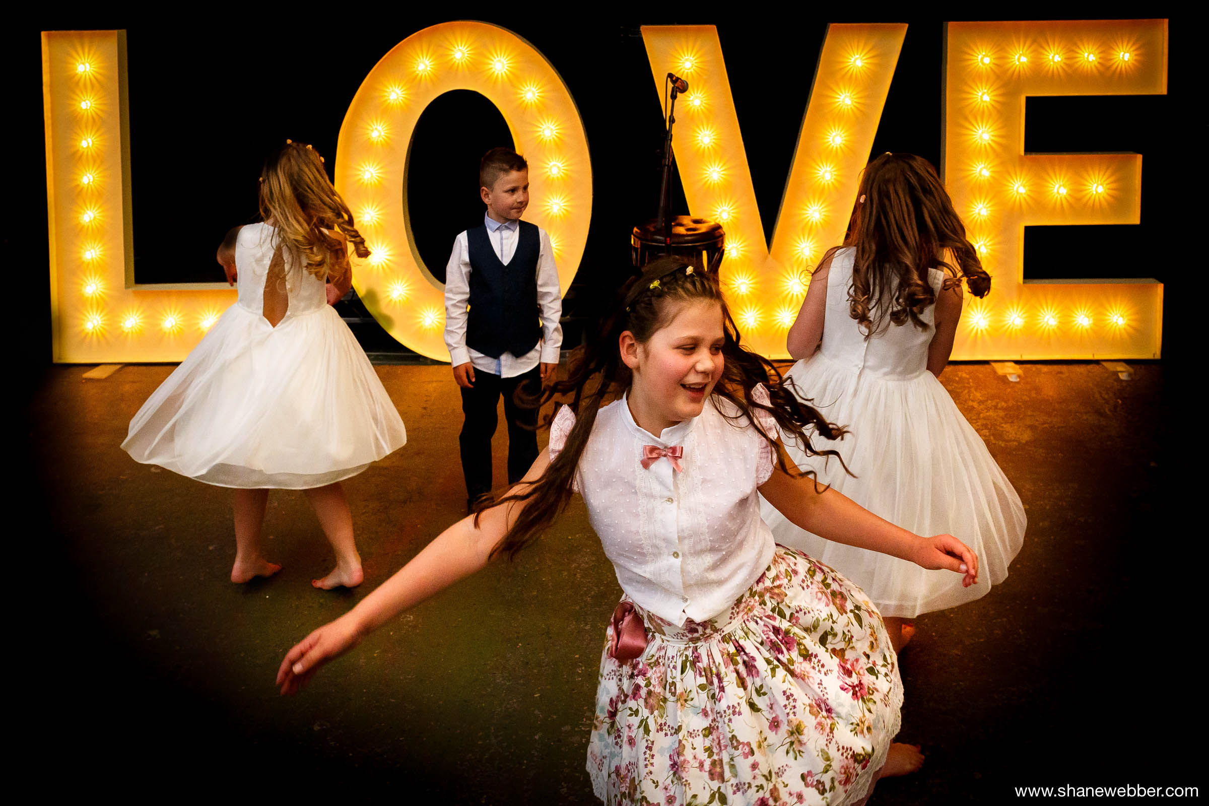 Best wedding photos of kids