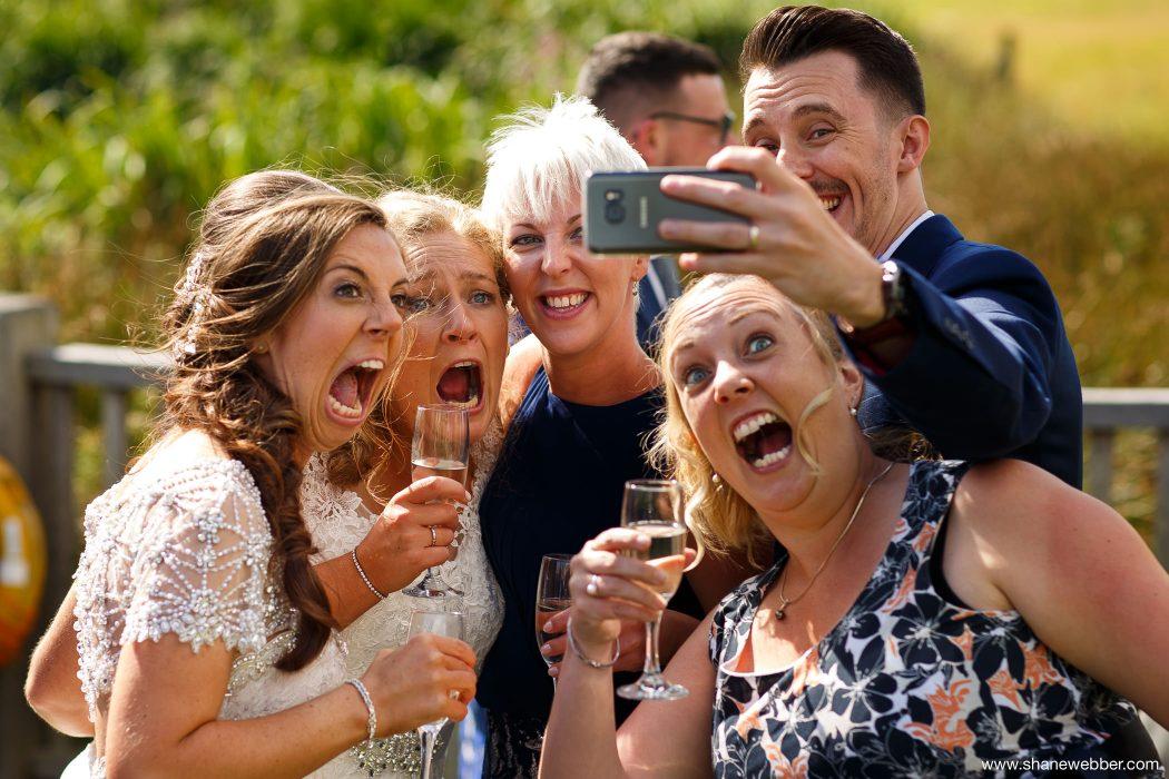 Best wedding selfie pictures