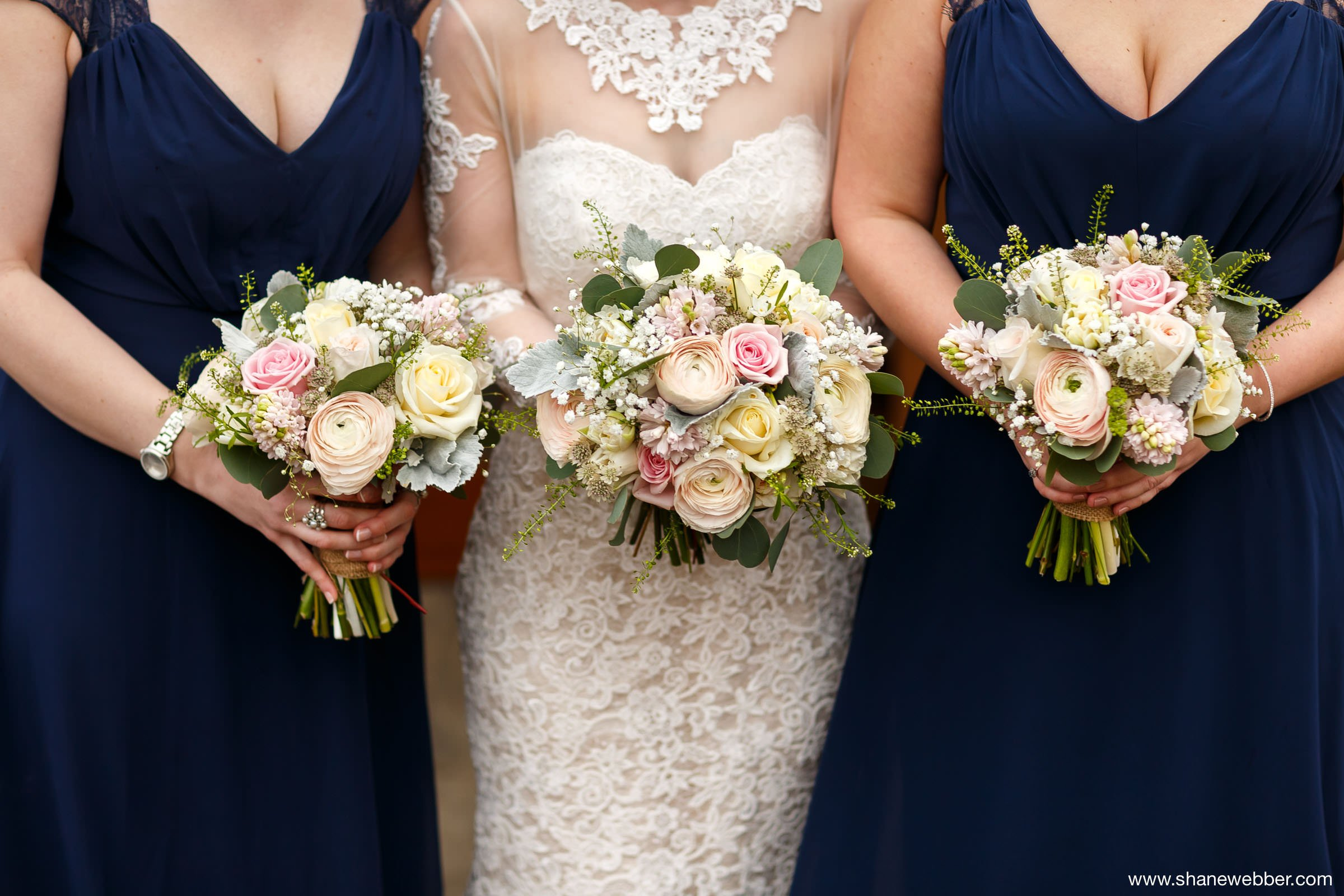 Green Earth Flowers bride and bridesmaid bouquets