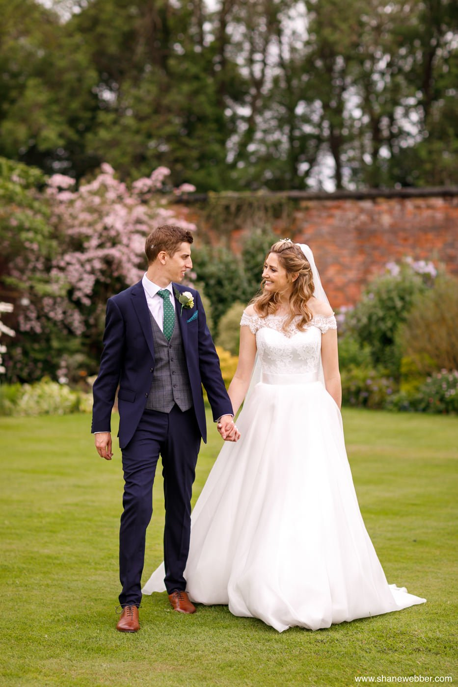 capesthorne hall summer wedding