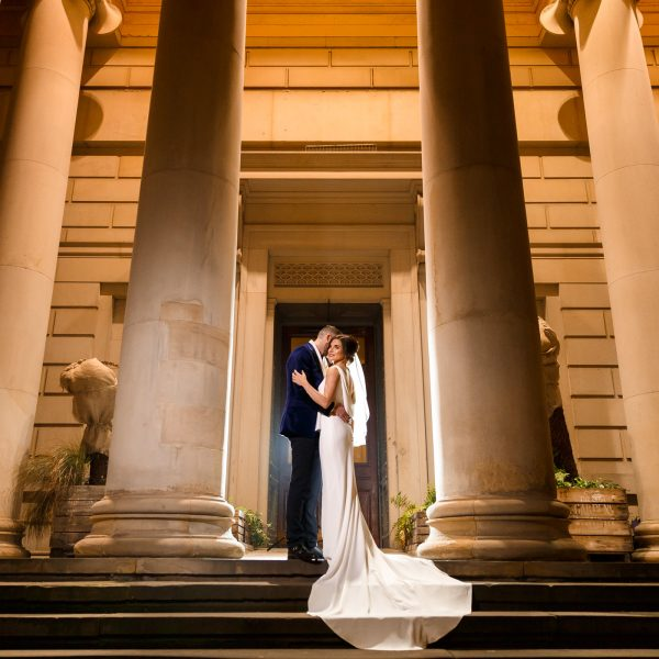 Modern Wedding Venues Cheshire: Sandhole Oak Barn