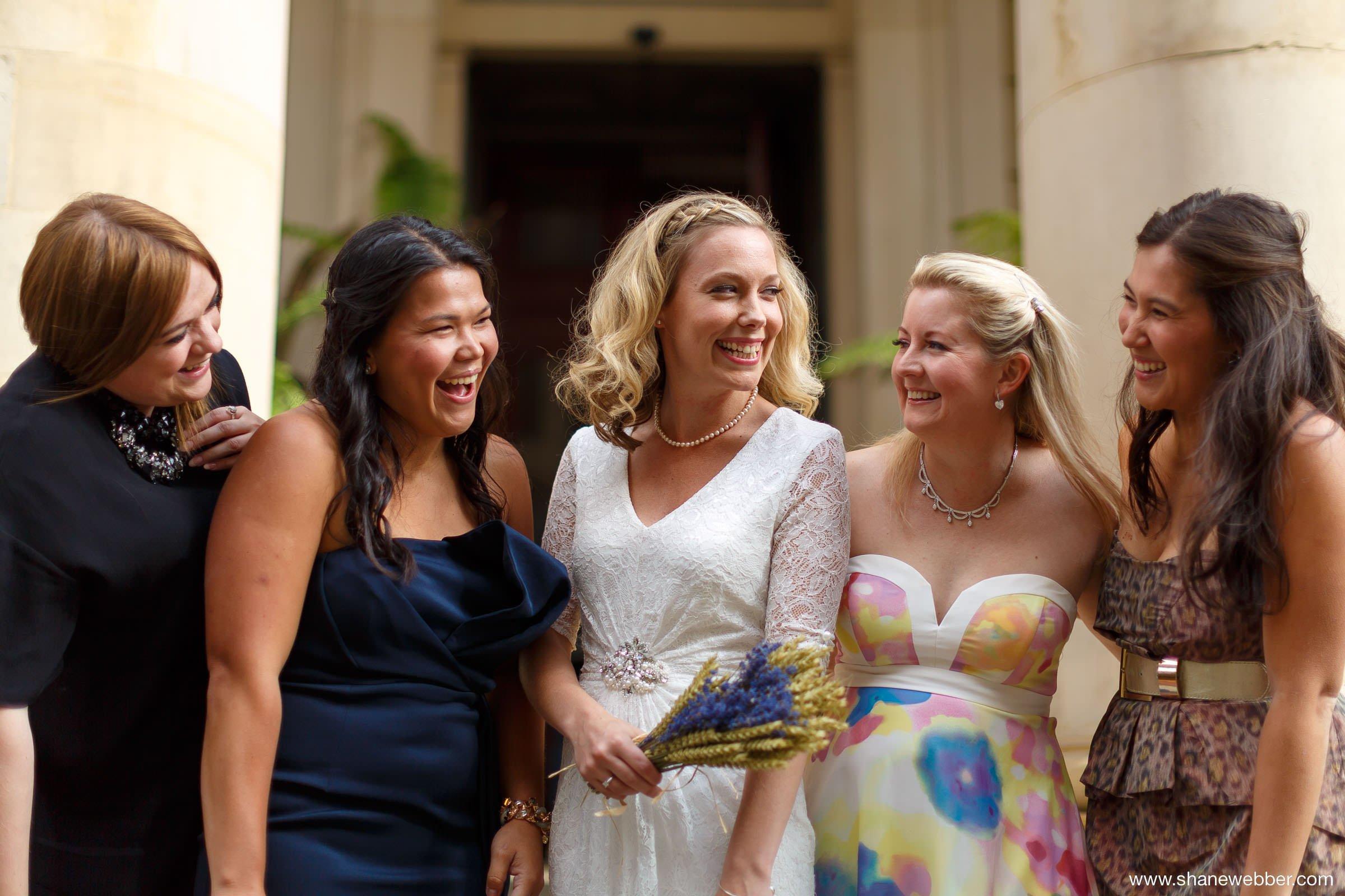 Natural photo of bridesmaids and bride