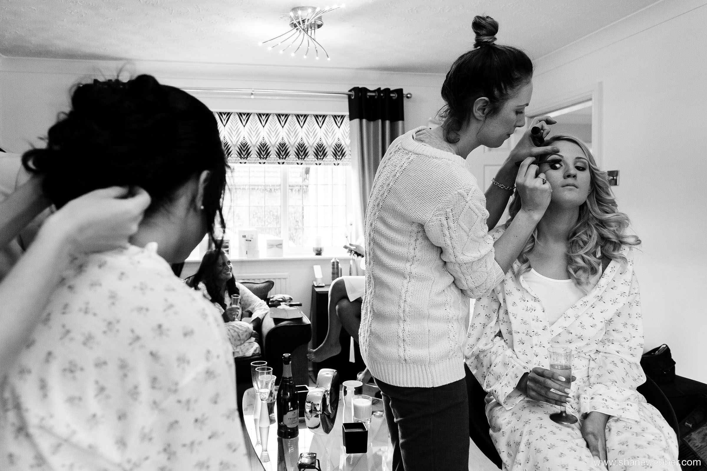 Tips for the best bridal preparation photos