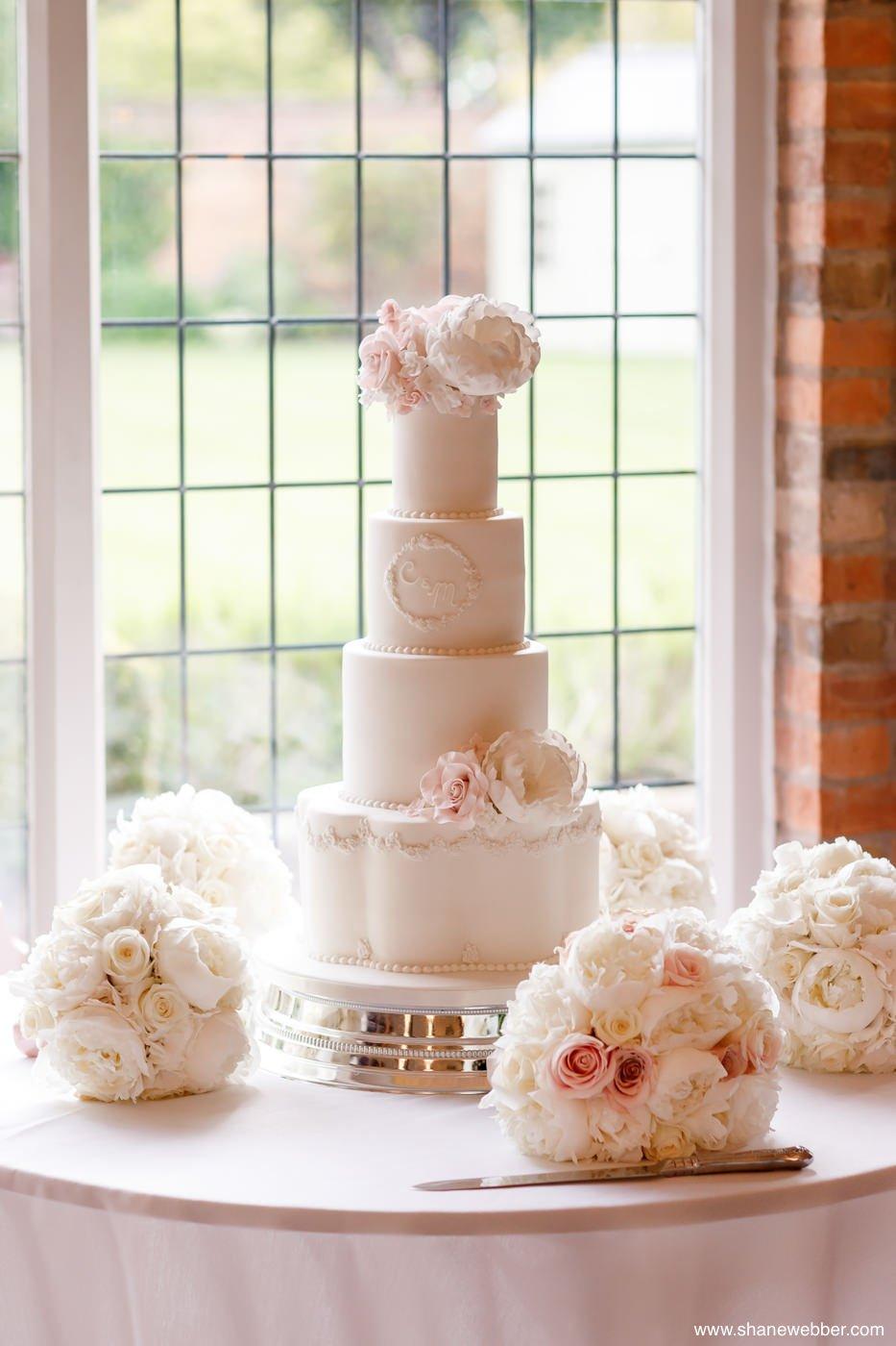 wedding cake colshaw hall