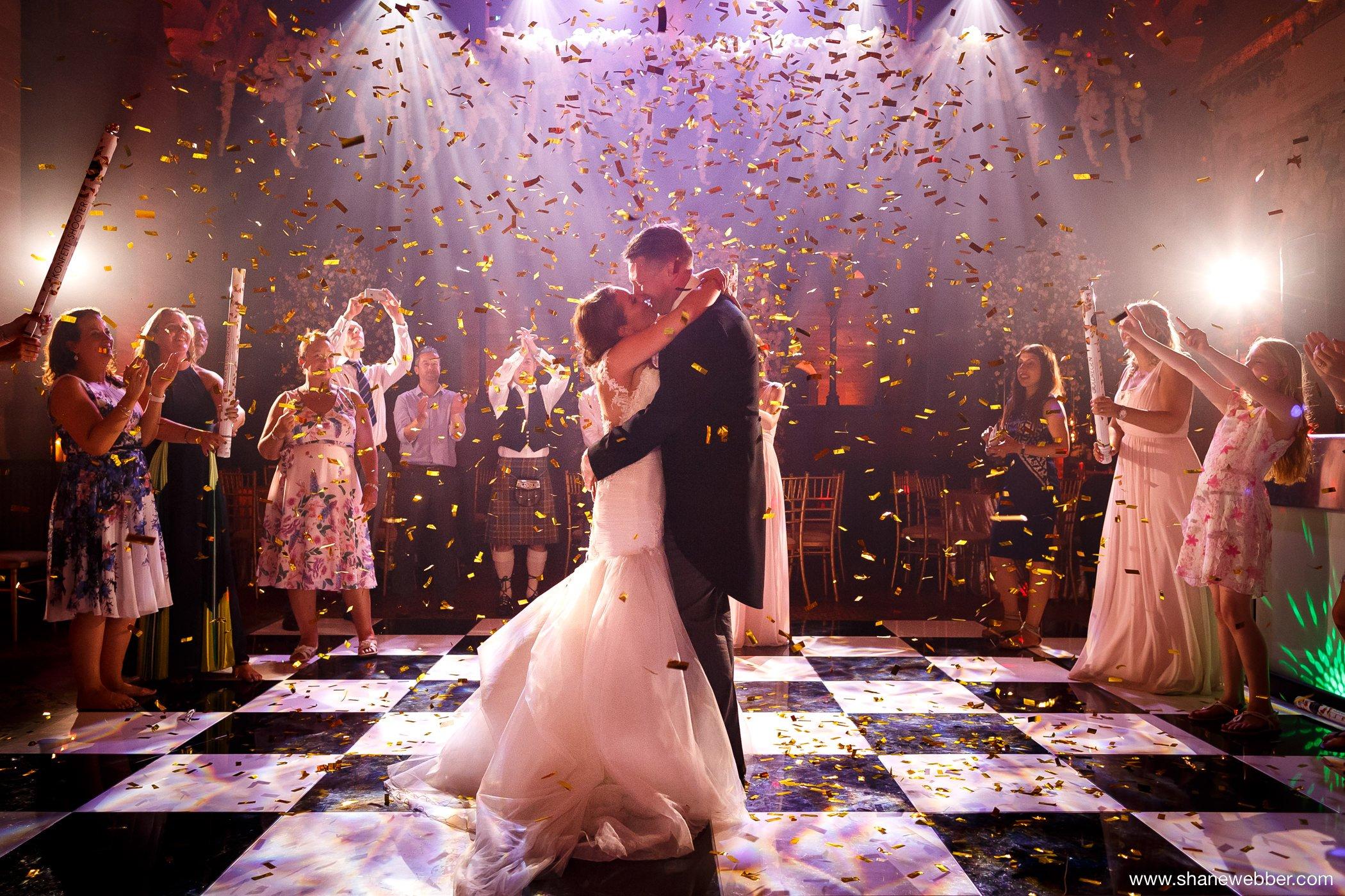 Confetti cannon wedding