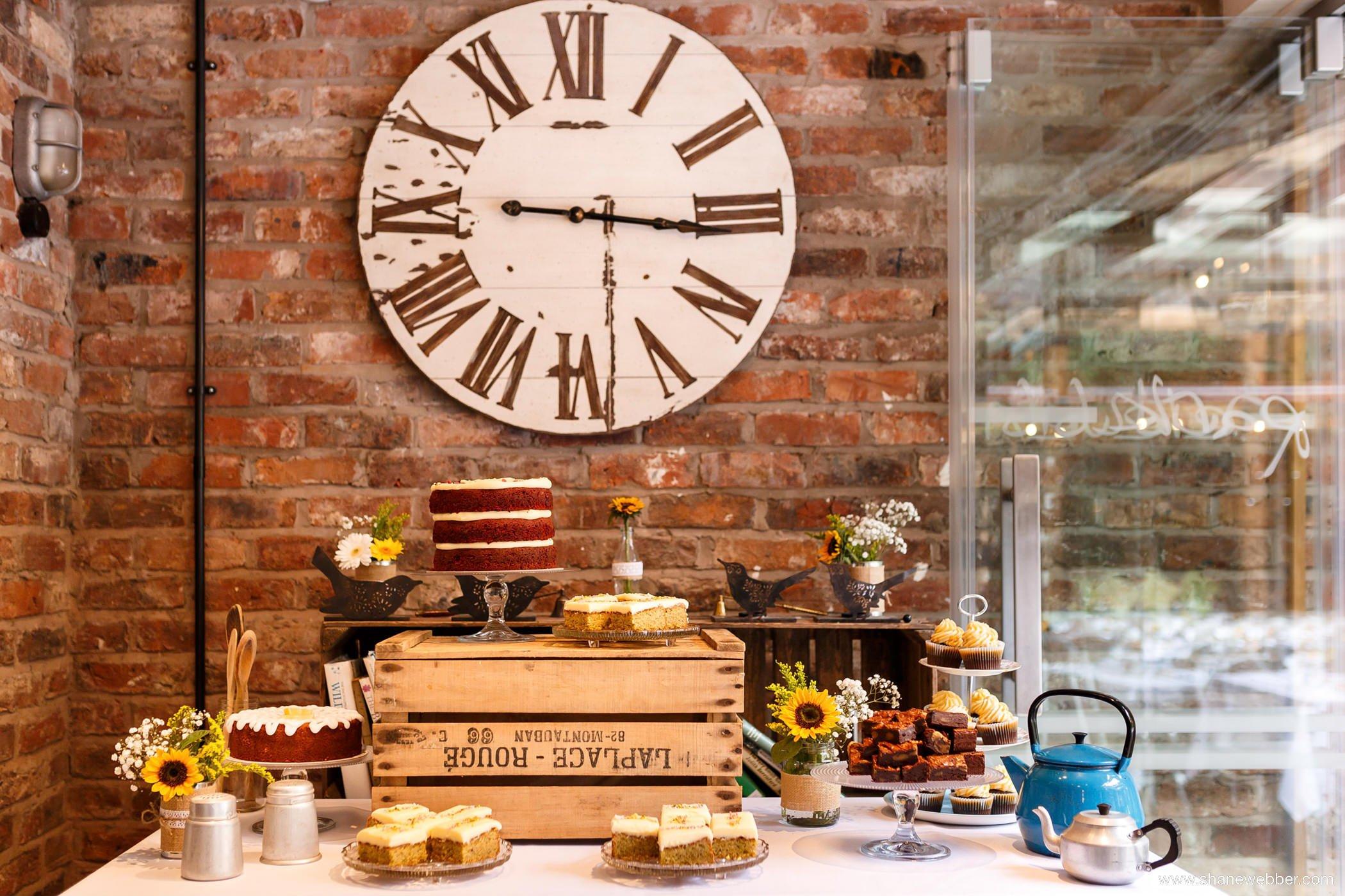 dessert table weddings