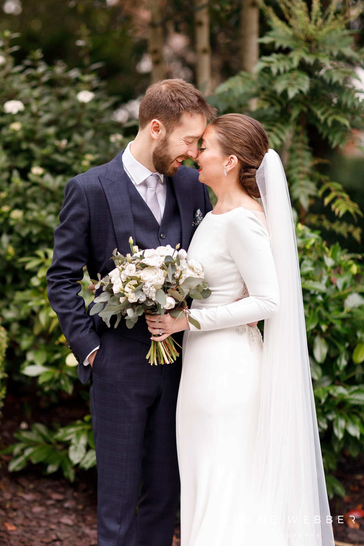 natural wedding photography poses
