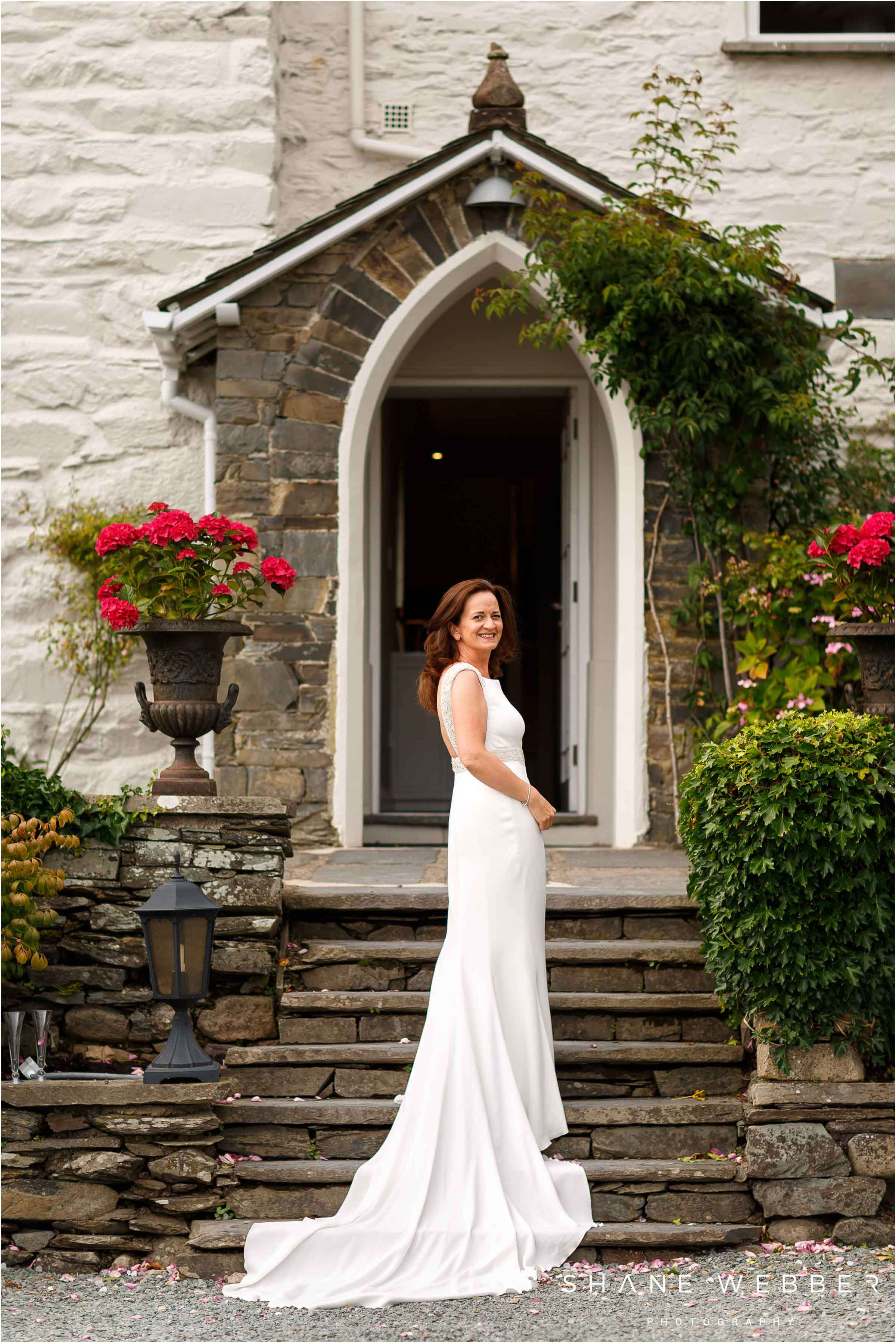 bridal portrait lake windermere