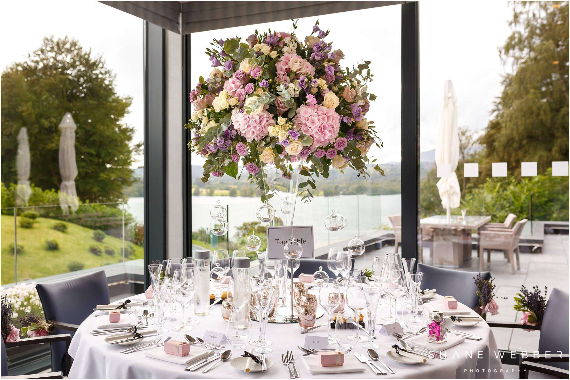 beautiful wedding centrepiece
