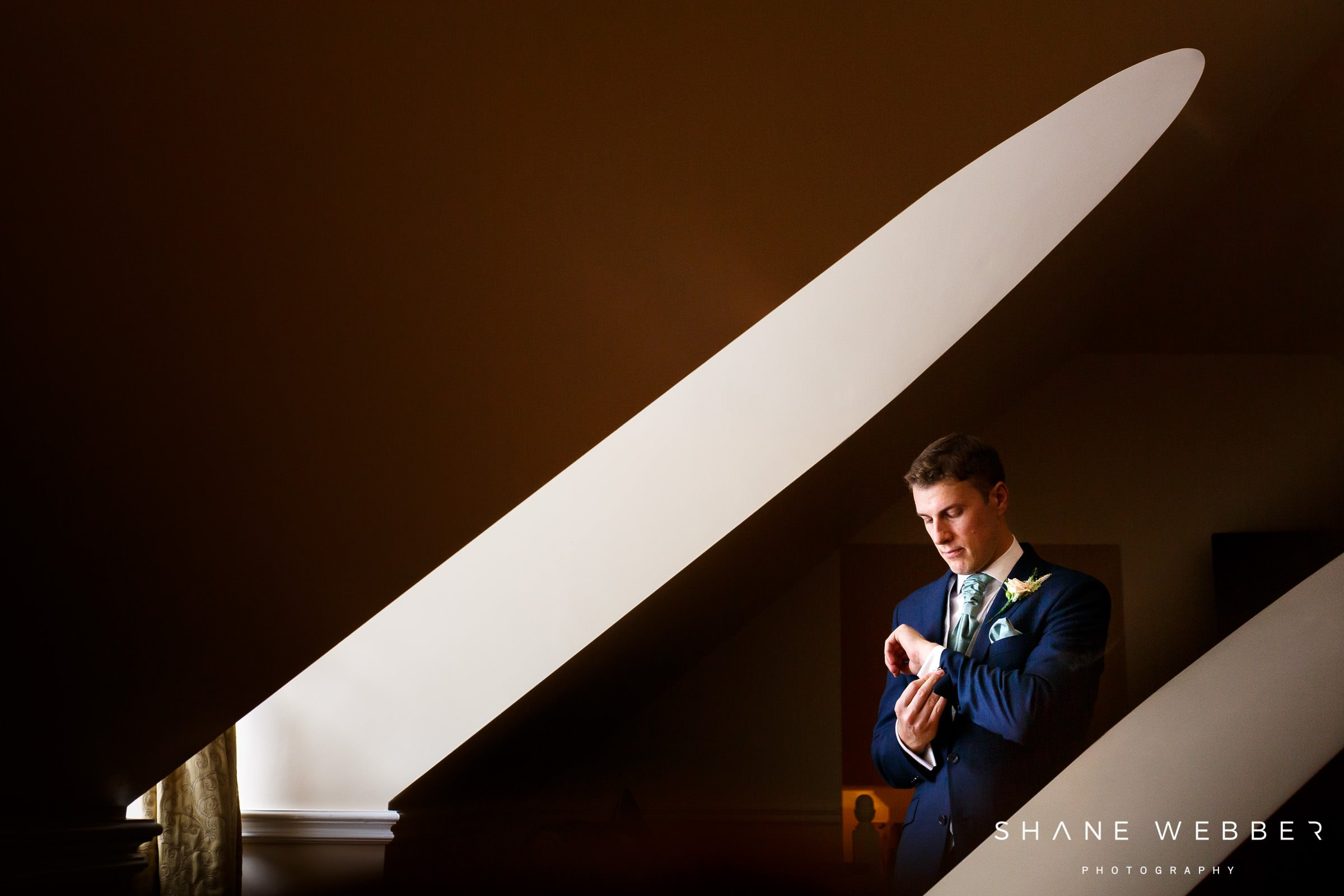 groom preparation photo ideas