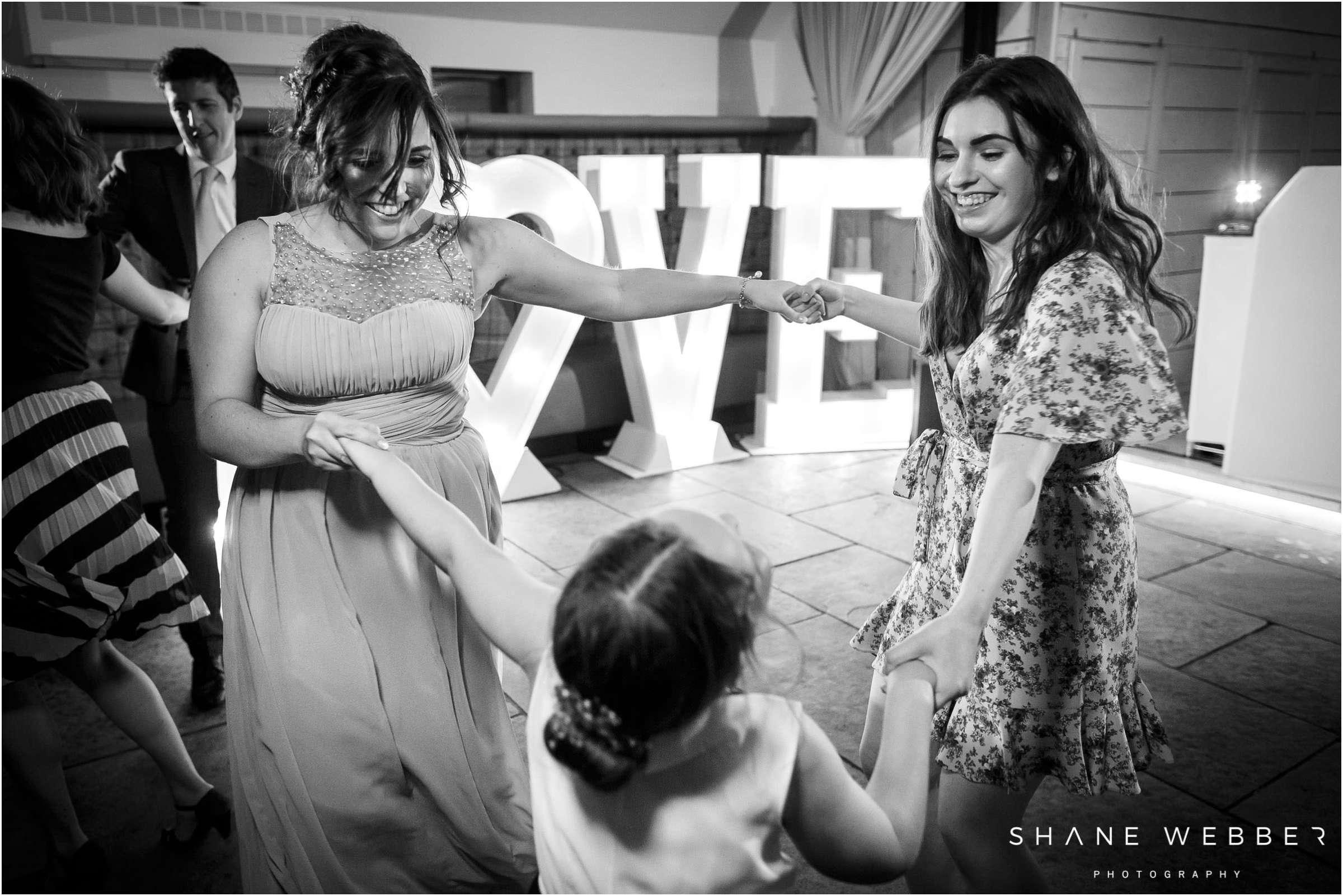 documentary wedding photo
