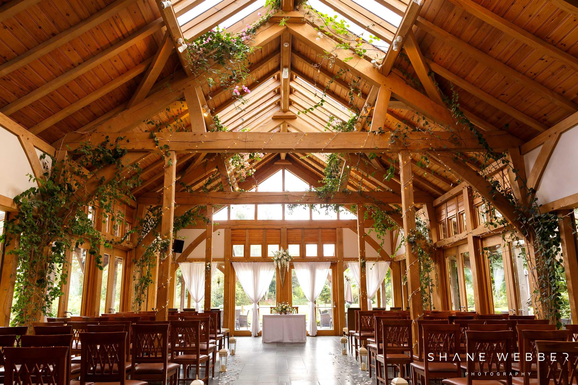 Oak tree of peover wedding ceremony barn