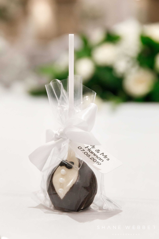 wedding cake pop