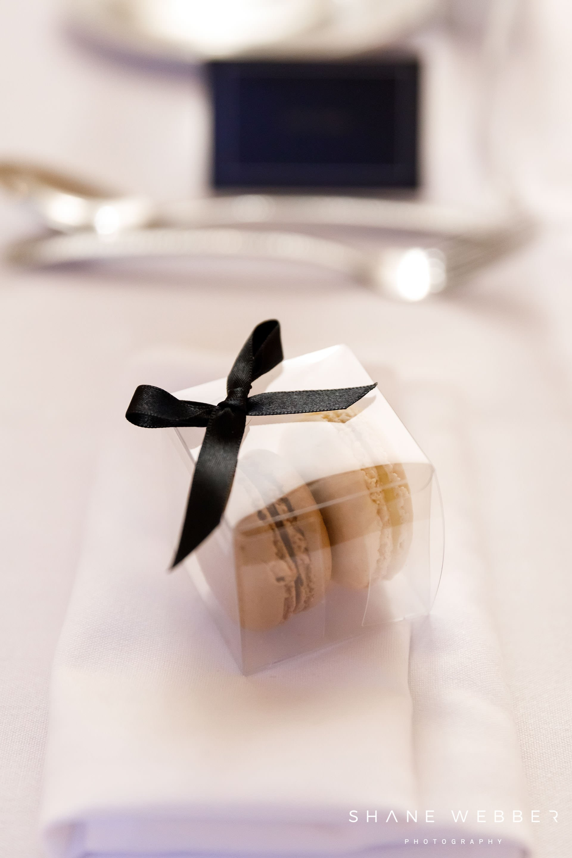 wedding favour macaroon